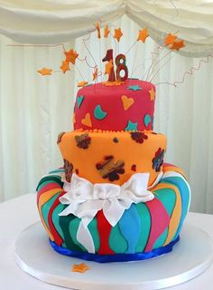 Icing Bow, Stripes and Stars on a Topsy Turvy Cake