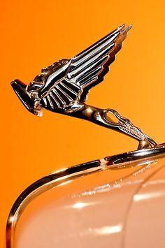 1931 Cord L-29 LeGrande Speedste ===> https://de.pinterest.com/jalbernard/voitures-de-l%C3%A9gende/