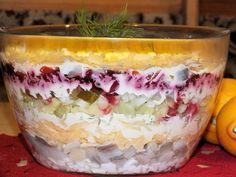 Sałatka śledziowa w pięknym wykonaniu Tiramisu, Food And Drink, Pudding, Ethnic Recipes, Desserts, Custard Pudding, Deserts, Dessert, Tiramisu Cake