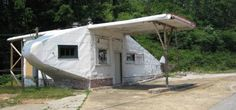 Airplane Service Station, Knoxville, Tennessee- [21st C]