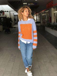 Ravelry: Bright square pullover pattern by Anna Lagun Angora Sweater, Cable Sweater, Oversize Pullover, Love Knitting, Sweater Knitting Patterns, Hand Knitting, Knitwear Fashion, Knit Fashion, Moda Masculina