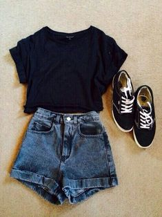 Daily short outfits, outfits for teens, cool outfits, winter outfits, fashion outfits Black Top And Jeans, Black Tops, Trendy Summer Outfits, Cute Casual Outfits, Chic Outfits, Work Outfits, Shorts Outfits For Teens, Outfits For Girls, Spring Outfits