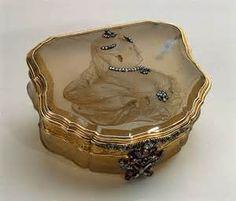 antique snuff box