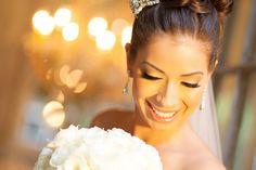 Neutral Elegant Bridal Makeup Ideas | photography by http://www.moniquefeil.com/ | floral design by http://www.bellagraceflowers.com/ | event design | http://www.haikumill.com/weddings/