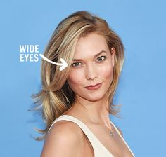 The one celebrity trick to perfect photos is easier than you think. How squinting can make you insanely photogenic, demonstrated by Karlie Kloss.