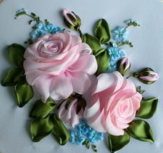 Wonderful Ribbon Embroidery Flowers by Hand Ideas. Enchanting Ribbon Embroidery Flowers by Hand Ideas. Ribbon Garland, Ribbon Art, Ribbon Crafts, Flower Crafts, Diy Flowers, Ribbon Embroidery Tutorial, Rose Embroidery, Silk Ribbon Embroidery, Embroidery Stitches