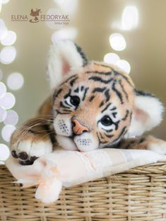 Tiger Cubs, Teddy Bears, Needle Felting, Animals And Pets, Berry, Sculpting, Dolls, Friends, Flowers
