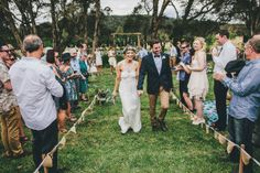 I have to say, I am a bit at a loss for words. Which, as you can imagine, doesn't happen often. Because this wedding is basically a dream come true, and it comes to life in a beautiful fashion via
