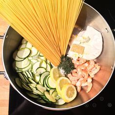 one pot shrimp and zucchini pasta Potted Shrimp, Zucchini Pasta, Ramadan Recipes, Buddha Bowl, One Pot, Food Inspiration, Nom Nom, Grains, Cooking Recipes