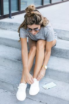 Fashion blogger The Darling Detail wears Allbirds Wool Runners, Minkpink Square Textured Tee Playsuit, Ray-Ban 57mm Aviator Sunglasses, Larsson & Jennings 'Lugano' Mesh Strap Watch, and Petite Albion Ring with Morganite and Diamonds