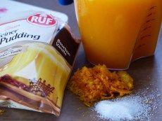 Eiskalter Orangenpudding mit Baiserhaube und Schokolade
