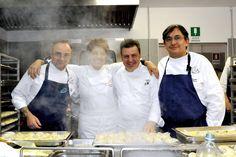 I quattro chef stellati che hanno cucinato: da sinistra, Marco Sacco, Mariangela Susigan, Stefano Gallo e Sergio Vineis
