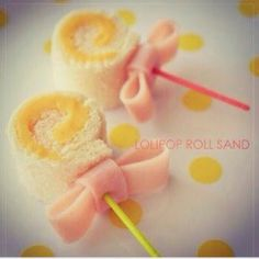 Lollipop sandwiches would make the perfect bento box accompaniment! Made from bread and cheese rolled up, then secured with toothpick and a ham bow! Cute Food, Good Food, Yummy Food, Tea Sandwiches, Baby Shower Sandwiches, Food Decoration, Food Humor, Creative Food, High Tea