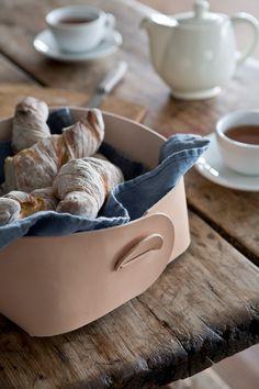 Brödkorg i läder - Slöjd-detaljer
