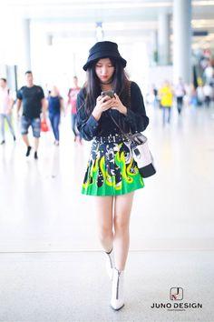 Airport Fashion, Airport Style, Kpop Fashion, Daily Fashion, Korean Fashion, Girl Fashion, Fashion Outfits, Xuan Yi, Cheng Xiao