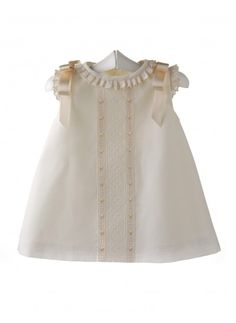 Vestido para bebé de batista organdizada y entredos de batista suiza 4cba2cfb00bc