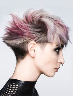 Bright Styles For Short Hair Hair Color Ideas for Short Hair: Looks and Ideas Trending in May 2019 Very Short Haircuts, Cute Hairstyles For Short Hair, Girl Haircuts, Creative Hairstyles, Girl Short Hair, Short Hair Cuts, Toni And Guy Haircuts, Medium Hair Styles, Curly Hair Styles