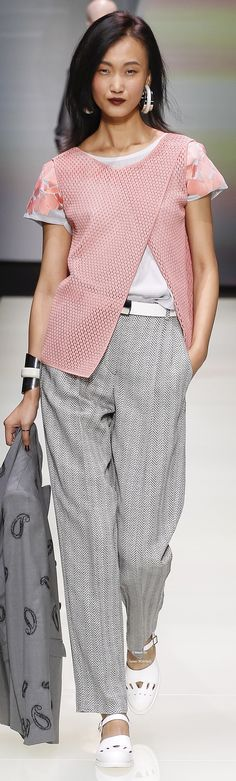 Emporio Armani Collection Spring 2016 Ready-to-Wear women fashion outfit clothing style apparel @roressclothes closet ideas