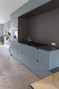 Design My Kitchen, Contemporary Kitchen Design, Interior Design Living Room, Kitchen Dinning Room, Kitchen Decor, Rental Kitchen, Hidden Kitchen, Kitchen Cabinet Colors, Bathroom Beach