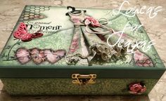 Video Aula: Caixa Chic com flores Decoupage Vintage, Decoupage Box, Mixed Media Boxes, Mixed Media Canvas, Handmade Crafts, Diy And Crafts, Paper Crafts, Cigar Box Crafts, Altered Cigar Boxes