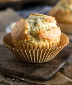 A great Homemade Basic Muffin Recipe makes any meal special. This recipe is quick and easy and you can flavor them any way you want. Best Muffin Recipe, Simple Muffin Recipe, Healthy Muffin Recipes, Breakfast Recipes, Dessert Recipes, Desserts, Brunch Recipes, Breakfast Muffins, Healthy Deserts