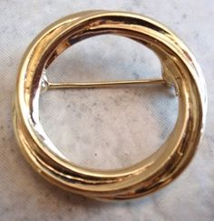 Twisted Round Brooch Trifari Gold Tone Vintage by cutterstone on Etsy