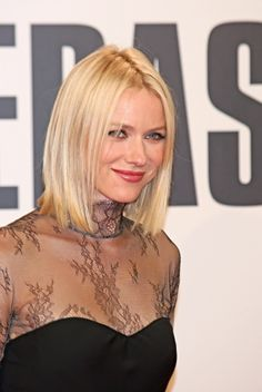 above the shoulders blonde hair   Naomi Watts shoulder length hairstyle