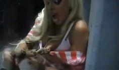 Em 2011, a modelo Orit Fox levou uma mordida de uma cobra em um dos seios após tentar beijar o réptil durante um programa de rádio em Israel. O réptil acabou morrendo intoxicado pelo silicone da prótese da modelo.