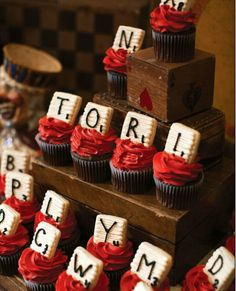 game night cupcakes~ William Higinbotham developed an analogue computer with vacuum tube at the Game Night Food, Game Night Parties, Family Game Night, Night Couple, Cute Cupcakes, Cupcake Cookies, Cupcake Heaven, Party Decoration, Party Treats