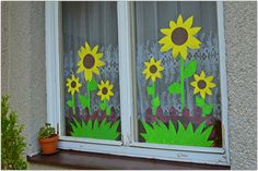… Flower Crafts Kids, Paper Crafts For Kids, Diy And Crafts, Classroom Window Decorations, School Decorations, Window Mural, Class Decoration, Art N Craft, Spring Crafts