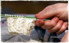 Suvikumpu: Syreeni-sukat ohje Knitting Charts, Projects To Try, Handmade, Hand Made, Knitting Tutorials, Handarbeit