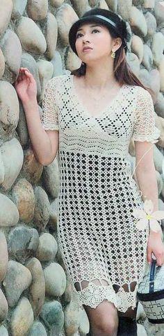 Crochet - White Dress IV  http://crochetemoda.blogspot.ca/2012_05_01_archive.html