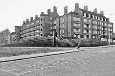 Domingo Road, Everton, Liverpool 5 The McCartneys in Everton St. Liverpool Images, Liverpool History, Liverpool Street, Monumental Architecture, Scotland History, White Gardens, Slums, Everton, Great Britain