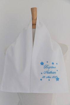 écharpe de baptême bébé étoiles personnalisée brodée  garçon ou fille