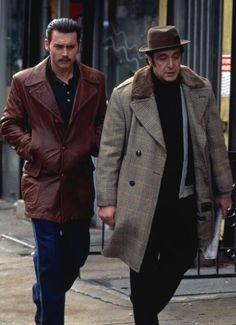 Al Pacino & Johnny Depp (Donnie Brasco, 1997. Dir. Mike Newell).