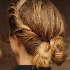 Even something like this is really simple and cute. And it's all DIY so no extra costs at a salon :)
