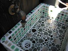 sink of Japanese house  椛島氷菓能古支店 : カバのアイス屋さん