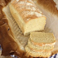 Morötterna i degen gör limpan extra saftig & god och rågmjölet tillför nyttig fibrer! Low Carb Recipes, Bread Recipes, English Food, Bread Baking, Scones, Rage, Food Inspiration, Rolls, Food And Drink
