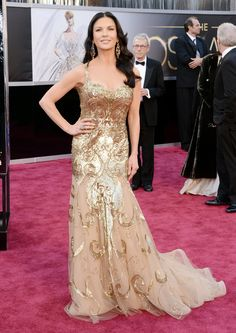 Catherine Zeta-Jones in Zuhair Murad. #Oscars2013 #redcarpet