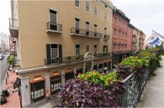 Surround yourself with the sights and sounds of the French Quarter.