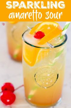 This easy delicious Sparkling Amaretto Sour Cocktail is the best way to enjoy your college signature drink but with fewer calories! Fun Cocktails, Fun Drinks, Yummy Drinks, Cocktail Recipes, Beverages, Pool Drinks, Mixed Drinks, Classic Cocktails, Alcoholic Drinks