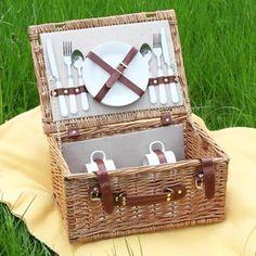 Geschenke zum Hochzeitstag: Picknick zu Zweit im Grünen