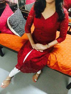 Salwar Pattern, Kurti Patterns, Dress Patterns, Indian Attire, Indian Ethnic Wear, Indian Outfits, Simple Kurta Designs, Churidar Designs, Kurta Neck Design