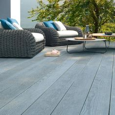 Millboard Brushed Basalt Composite Decking looks stunning in the UK garden and can be seen at our showrooms, contact us for more information Composite Flooring, Composite Decking, Outdoor Spaces, Outdoor Living, Outdoor Decor, Outdoor Gym, Deck Design, Garden Design, Timber Deck