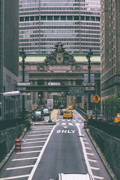 South tunnel coming up to Grand Central Station, with the old Heliport Pan American bldg rising behind it. The Places Youll Go, Places To See, Travel Around The World, Around The Worlds, Nyc, City That Never Sleeps, Concrete Jungle, Adventure Is Out There, Wonders Of The World