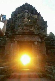 Don't miss the chance to see the first rays of sunrise that strikes the principal entrance of Konark temple of #Odisha. Book a cab and visit #Konark.