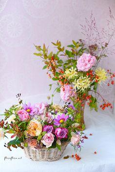 9月レッスン*初秋の花達 花瓶とバスケットのコンビネーションアレンジ**フローラフローラちいさな花の教室*東京目黒不動前フラワースクール