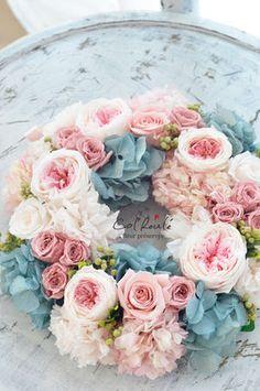 カーネーションやバラ、紫陽花を大胆に使ったかわいいリース❤︎母の日にあげたいギフト☆