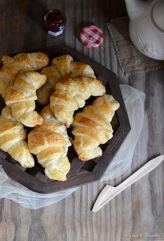 Croissants de massa folhada caseira