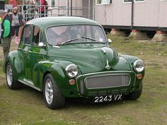 Very smart modified Moggy Cool Old Cars, Cute Cars, Retro Cars, Vintage Cars, My Dream Car, Dream Cars, Mini Morris, Old Fashioned Cars, Morris Minor
